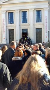 Køen utenfor Gamle Festsal på Universitetet i Oslo var så lang 30 minutter før seminaret.